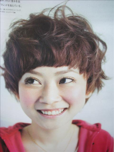 https://www.10500.com.tw/uploads/tadgallery/2009_04_15/365_1112685760.jpg 女生短髮
