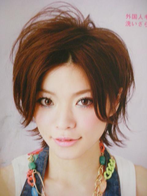 https://www.10500.com.tw/uploads/tadgallery/2009_04_17/1229_1112685754.jpg 女生短髮