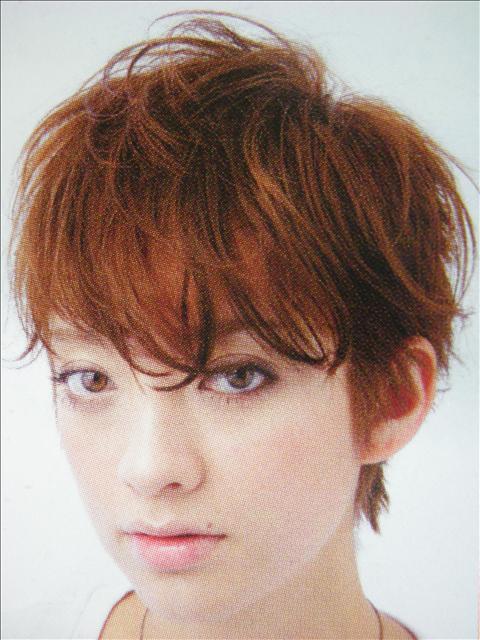 https://www.10500.com.tw/uploads/tadgallery/2009_07_02/1046_1112677983.jpg 女生短髮
