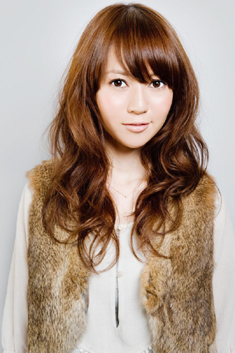 https://www.10500.com.tw/uploads/tadgallery/2009_11_09/775_38112_1_800x0.jpg 女生長髮