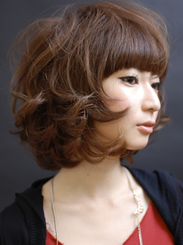 https://www.10500.com.tw/uploads/tadgallery/2009_11_30/1012_1112672282.jpg 女生短髮