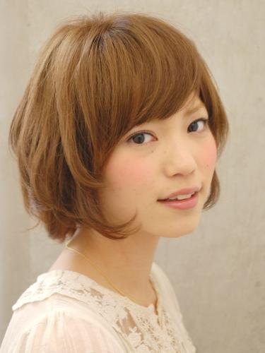 https://www.10500.com.tw/uploads/tadgallery/2010_02_12/919_1112672226.jpg 女生短髮