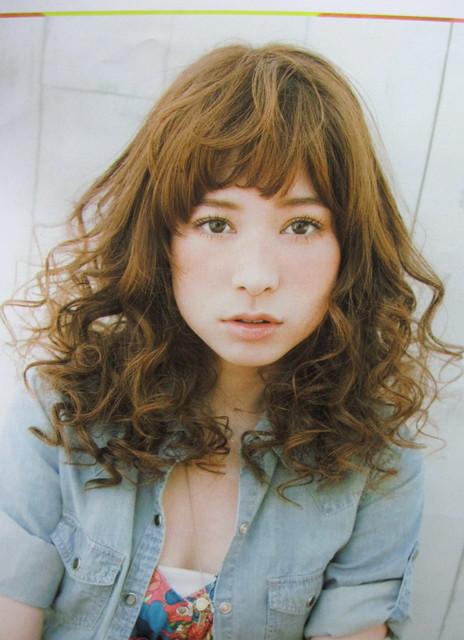 https://www.10500.com.tw/uploads/tadgallery/2010_06_01/987_1112672217.jpg 女生中長髮