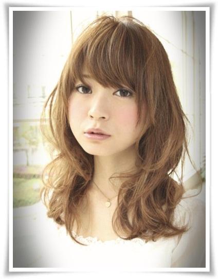 ,女生流行中長髮髮型