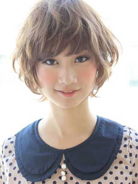 https://www.10500.com.tw/uploads/tadgallery/2018_03_15/196_20-Haircuts-for-Short-Wavy-Hair_3.jpg 女生短髮髮型