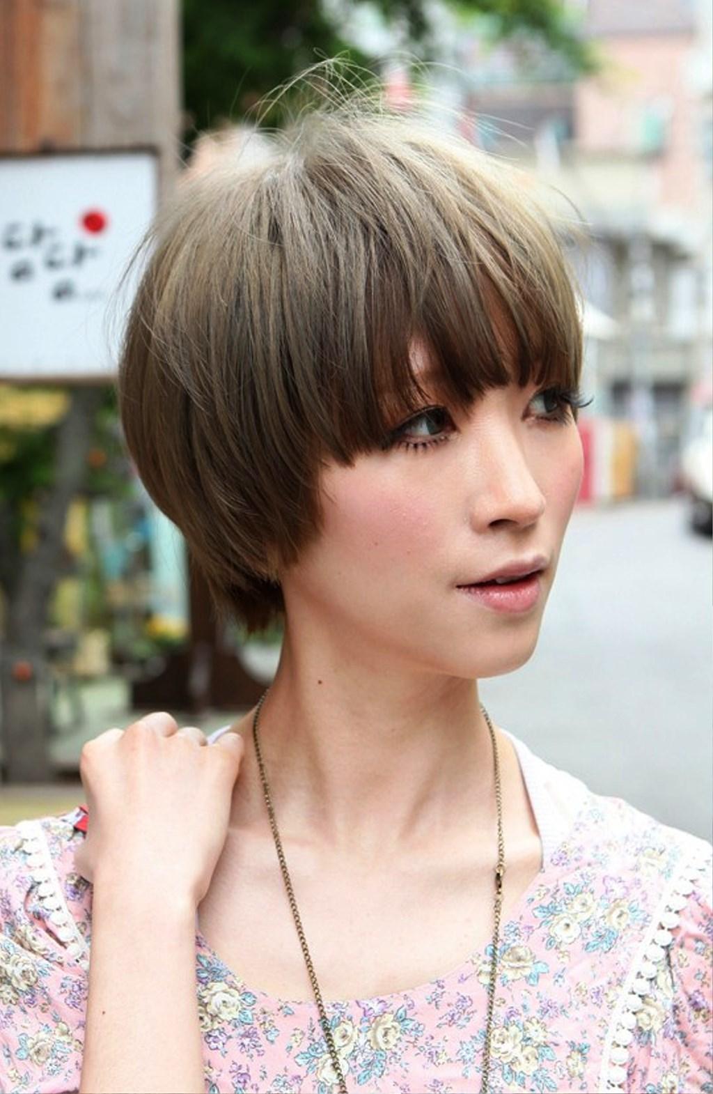 https://www.10500.com.tw/uploads/tadgallery/2018_03_20/716_Best-Short-Japanese-Hairstyle-For-Women.jpg 女生短髮髮型
