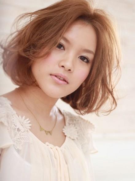 https://www.10500.com.tw/uploads/tadgallery/2019_12_24/20_2013-Short-Japanese-Hair-Styles-04.jpg 女生短髮