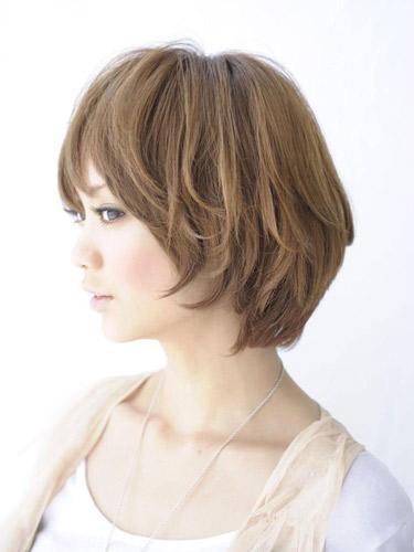 https://www.10500.com.tw/uploads/tadgallery/2019_12_24/48_1026947250.jpg 女生短髮