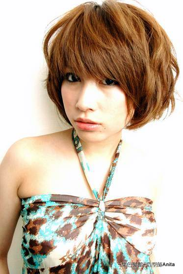https://www.10500.com.tw/uploads/tadgallery/2019_12_24/67_1112672161.jpg 女生短髮