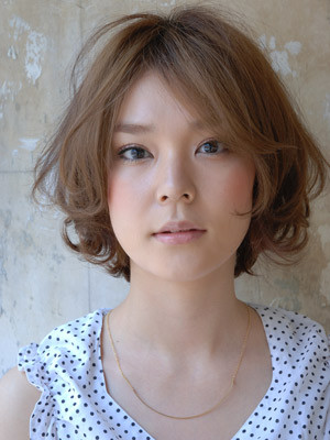 https://www.10500.com.tw/uploads/tadgallery/2019_12_27/117_1112672299.jpg 女生短髮