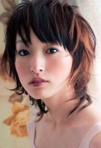 https://www.10500.com.tw/uploads/tadgallery/2019_12_27/126_1112685744.jpg 女生短髮