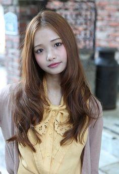 https://www.10500.com.tw/uploads/tadgallery/2019_12_28/216_8b336485e80caac6d9734bd74895e794.jpg 女生長髮