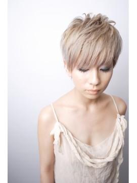 https://www.10500.com.tw/uploads/tadgallery/2020_01_01/372_1112685805.jpg 女生短髮