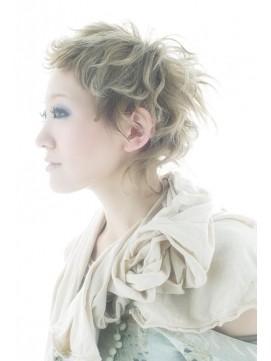 https://www.10500.com.tw/uploads/tadgallery/2020_01_01/373_1112685806.jpg 女生短髮