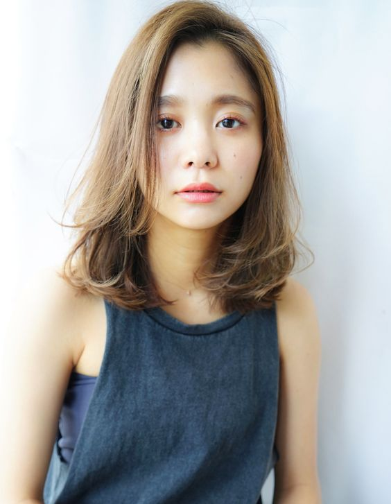 https://www.10500.com.tw/uploads/tadgallery/2020_01_22/452_7409d54c4dcf0beb3d996a227c89c48b.jpg 女生中長髮