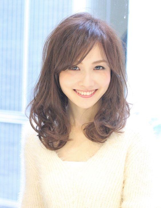 https://www.10500.com.tw/uploads/tadgallery/2020_01_22/467_4b8d6d5832ea3792d25a7ca0316ea46a.jpg 女生長髮