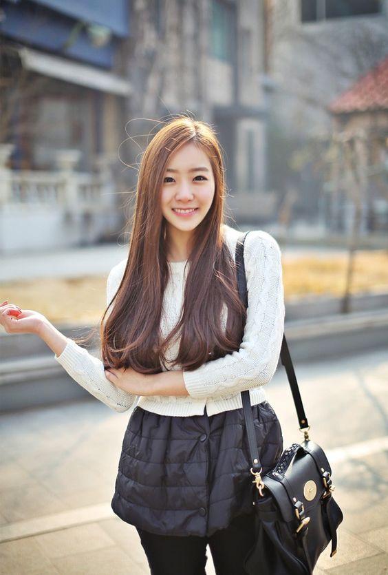 https://www.10500.com.tw/uploads/tadgallery/2020_01_22/473_7ed7be9669a7dbb1ccaabfeffdd11d14.jpg 女生長髮