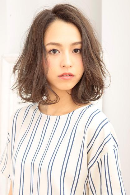 女生中長髮