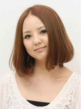https://www.10500.com.tw/uploads/tadgallery/2020_04_27/897_1035709029.jpg 女生中長髮