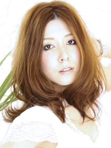 https://www.10500.com.tw/uploads/tadgallery/2020_04_27/900_1112672164.jpg 女生中長髮