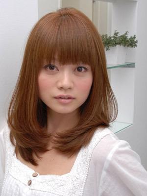 https://www.10500.com.tw/uploads/tadgallery/2020_05_17/1007_1112672260.jpg 女生中長髮
