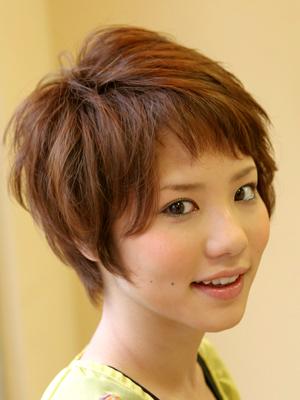 https://www.10500.com.tw/uploads/tadgallery/2020_12_07/1516_1358811820.jpg 女生短髮